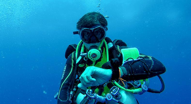 10 maneiras de melhorar seu consumo de ar no mergulho
