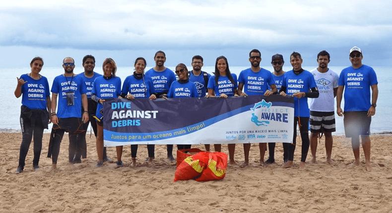 Let's Dive organiza limpeza das Piscinas Naturais de Pajuçara