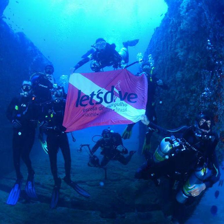 Franquia Let's Dive